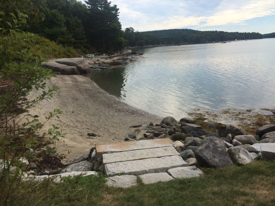 Short walk from cabin to your own beach