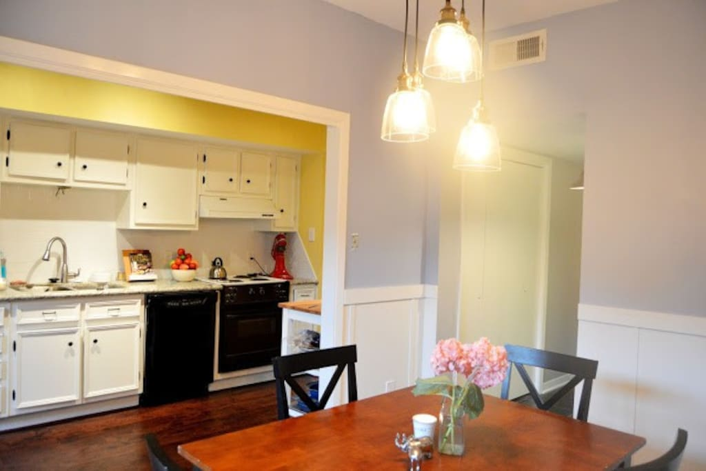 Use the full kitchen while entertaining! Easy access to the fridge!