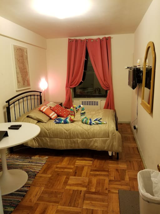 Cozy Private Room For 2 In Ny Close To Lga Apartments For Rent In Jackson Heights New York