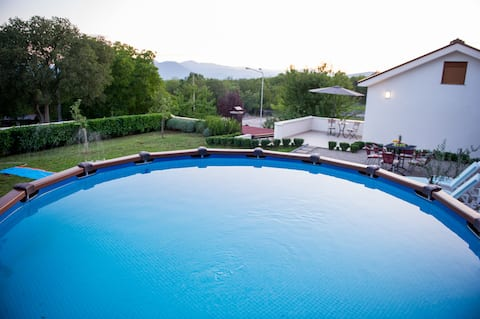 Kamena Villa - Holiday House with a Swimming Pool