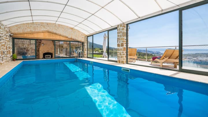 Villa Divino & Heated in-room Private Pool