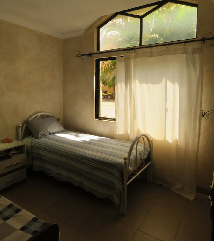 Bonita y acogedora habitación especial.