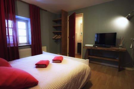 B&B Le Pré Châtel - chambre 3 - Châtel-Montagne - Bed & Breakfast