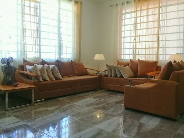 Modern apartment 2min from Seaside