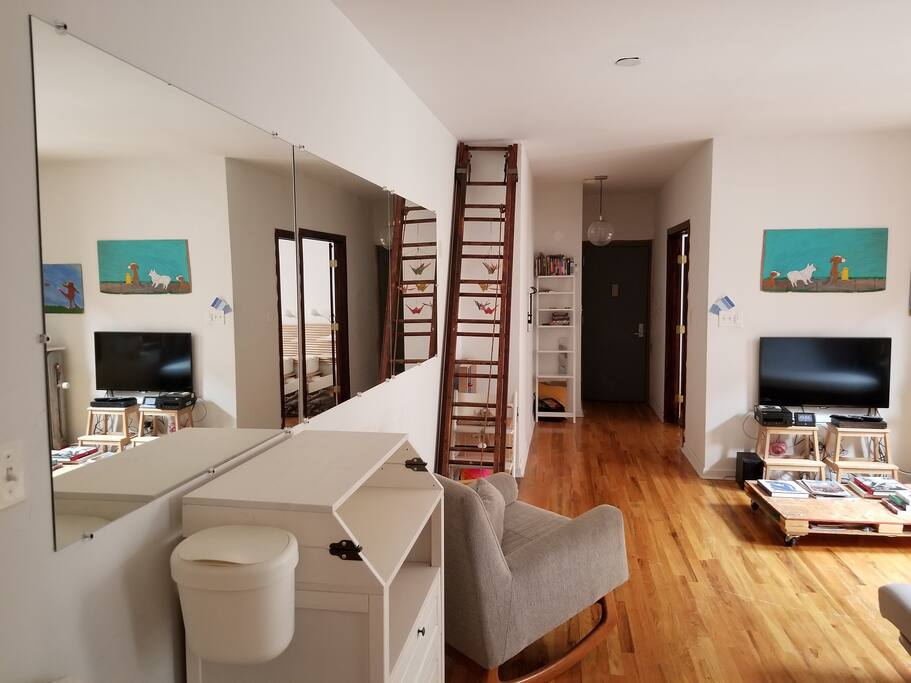 Looong aisle from kitchen along living room to bed room (1)