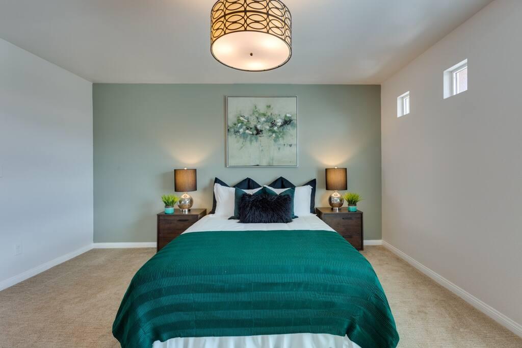 2F Master bedroom