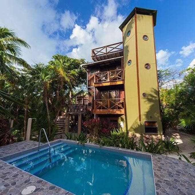 Sandcastle Apartments: Apartments For Rent In Caye
