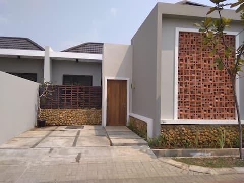 Maison de Q - 2 BR Villa in Anyer