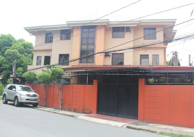 Condo style Apartel at budget rate in Las Pinas