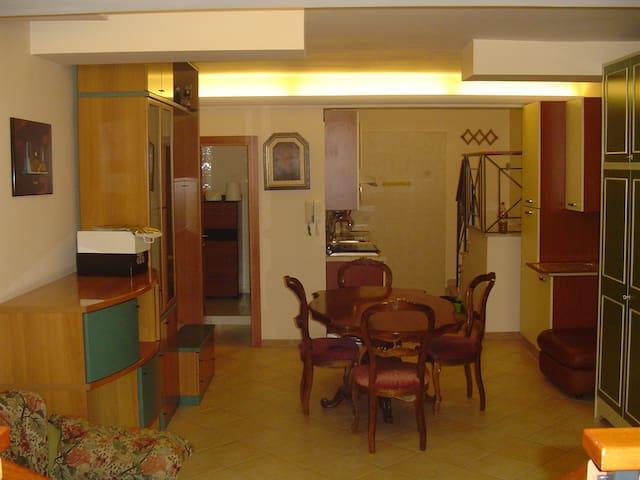 MONOLOCALE ARREDATO 65 MQ - Gravina in Puglia - Apartment