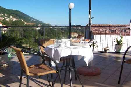 B&B in Costiera - Amazing view - 16km to Amalfi - Pianillo