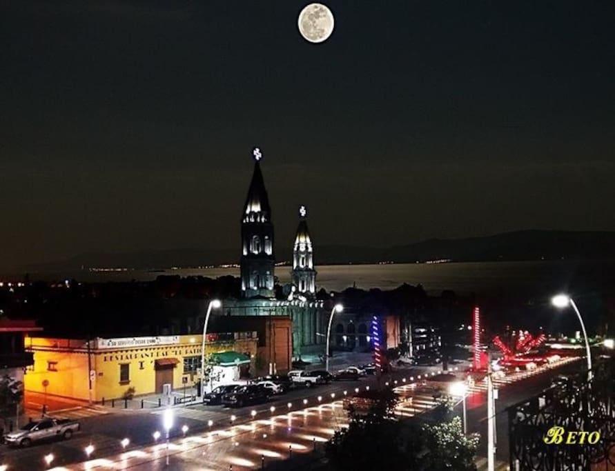 Chapala de noche