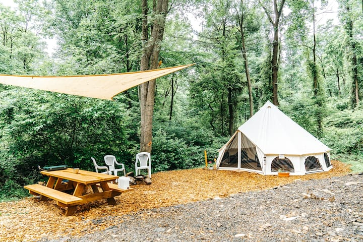 Glamorous Camping, a Luxury Getaway near Raystown