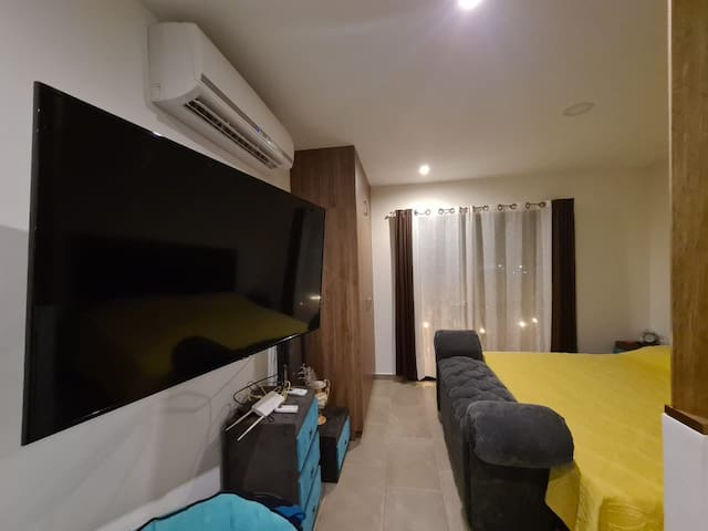 King Size Bed / TV / Air Conditioner