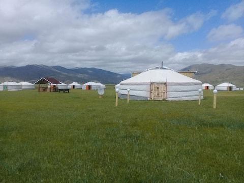 Orkhon Tushee camp