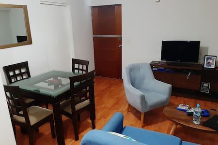 Room 10 mins walk to Miraflores