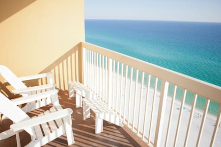 Beach Condo (no streets to cross) Stunning Views - デスティン