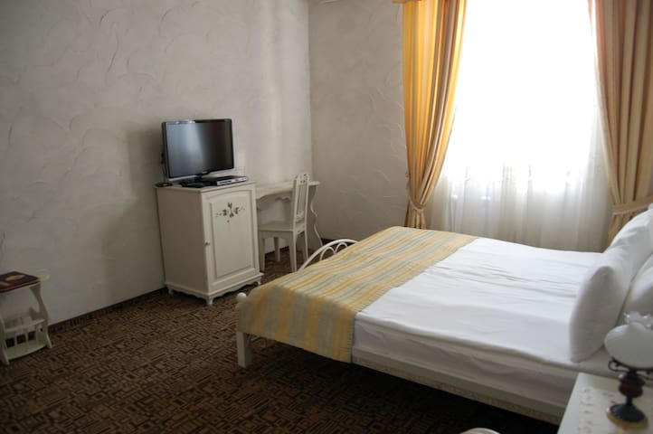 "Номер ""Стандарт"" в санатории ""Шато Спас"" - Aksay - Altres"