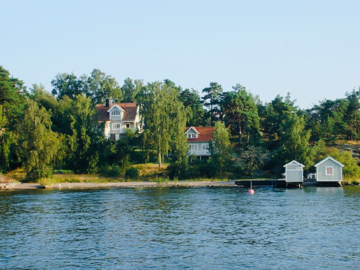 2 house estate,19th century, private beach, sauna