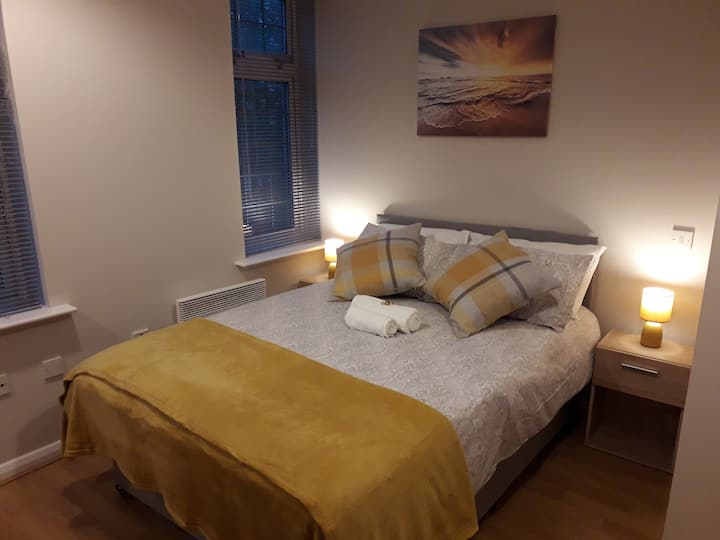 Luxury Private Room B 8 minutes to Luton Airport
