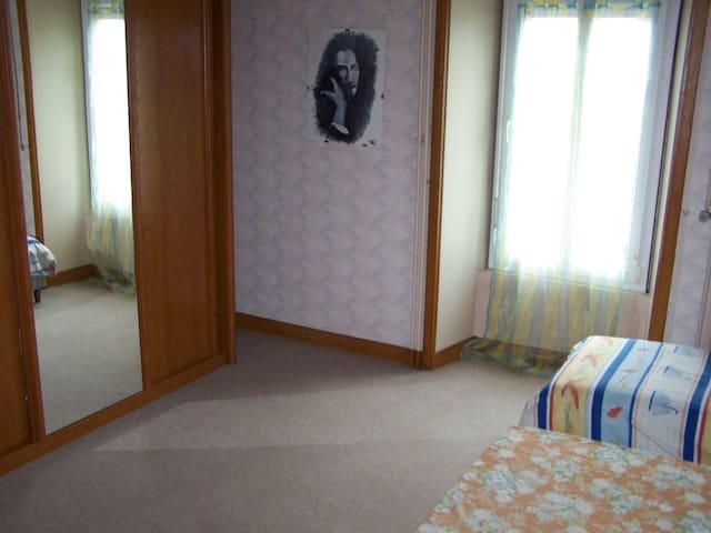 chambre familiale - Mouilleron-en-Pareds - Hus