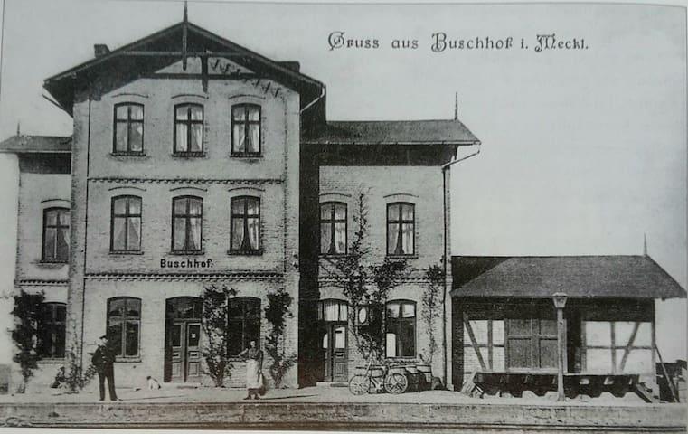 Countryside Train Station, 2. floor - Schwarz - Lägenhet