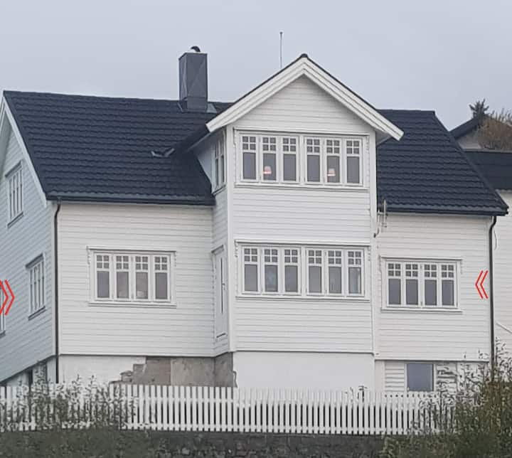 Beautiful, spacious appartment. Centre of Kabevåg.