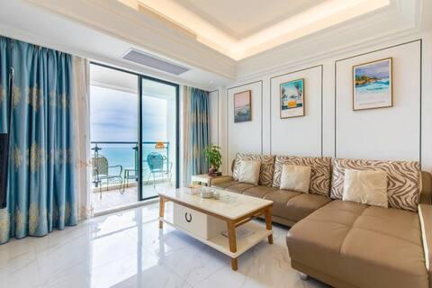汕头南澳岛青澳湾高层日出双阳台海景公寓两房一厅&下楼步行3分钟即可到海边沙滩