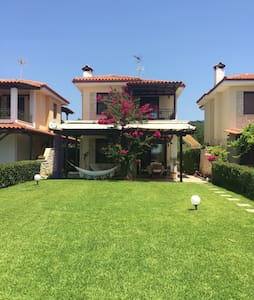 Amazing villa in frond of the sea! - Νέα Σκιώνη - Villa