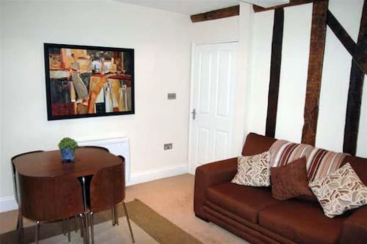 Central apartment, Brecon - Brecon - Apartamento