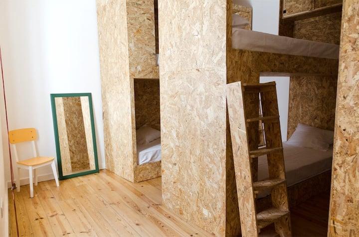 Dormitório Feminino ideal para estudantes.