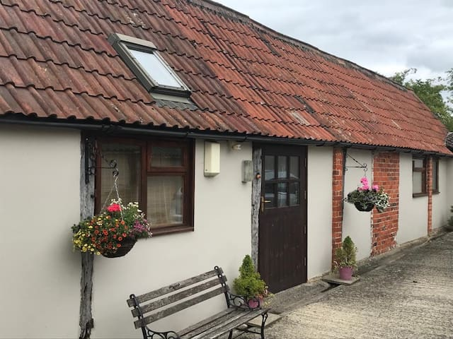 Brow Cottage, a charming cottage sleeps 5