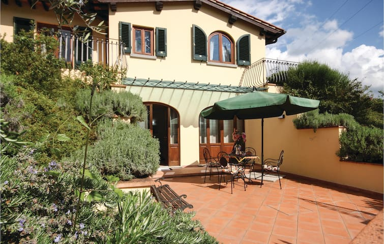 Holiday cottage with 3 bedrooms on 110 m² in Dicomano -FI-