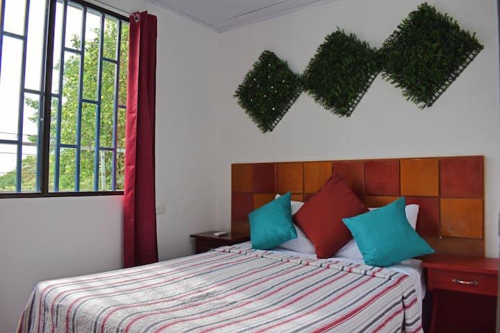 Private Apartment Kitchen AC, TV Wifi Casa Paraiso