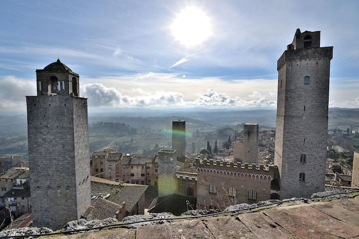 Entire Medieval Tower House Amazing Rooftop! - San Gimignano - Andre