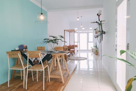 ★Spacious Private Bed & Breakfast, 2 BR★