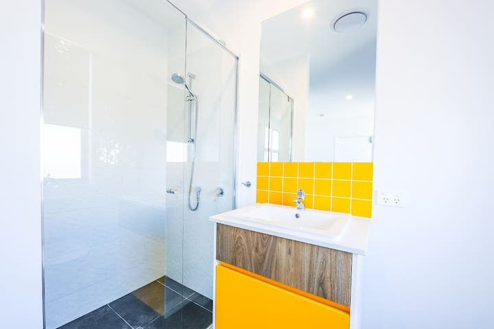Luxury Private Rooms/Bathroom TH206