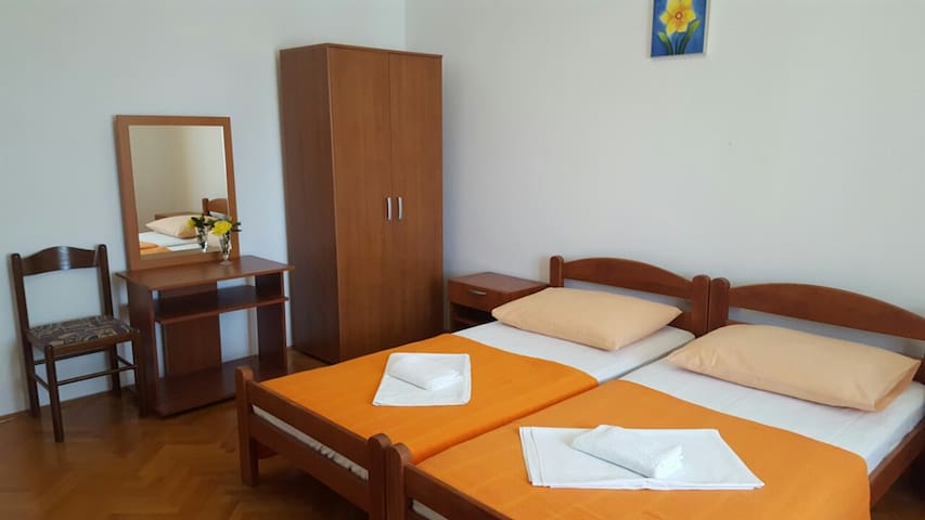 Room Jenny 2 for 2pax with shared bathroom