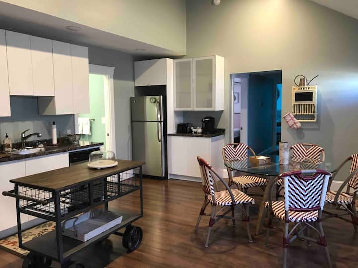Shared 2 BR Whole House in Tremont