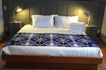 King Size Sleep Number bed.