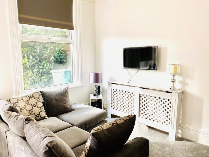 New studio flat + private garden, West Worthing