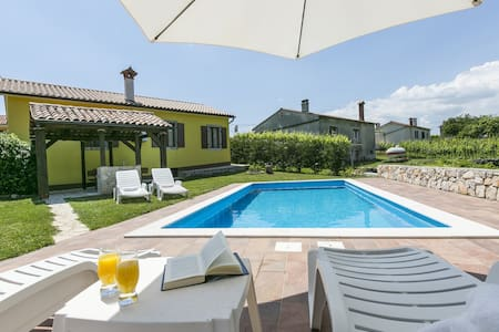 Casa Corina with swimming pool - Labin