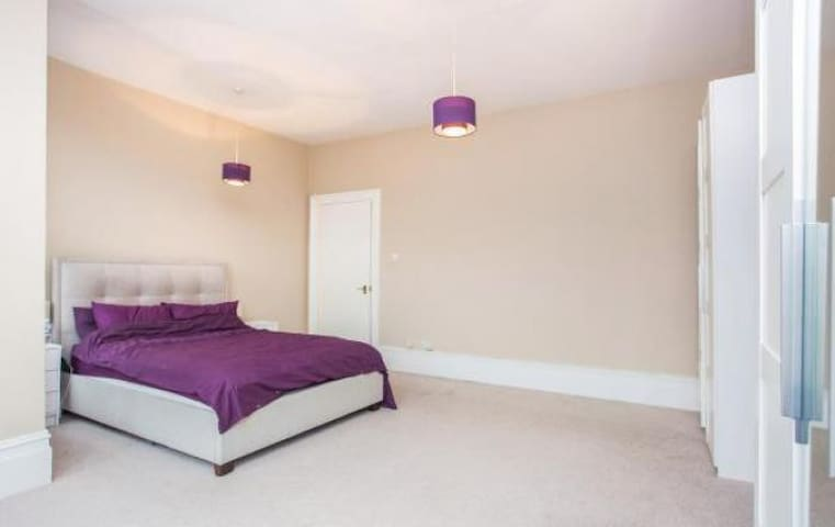 Spacious 2 Bedroom Apartment, Finchley - Lontoo - Huoneisto