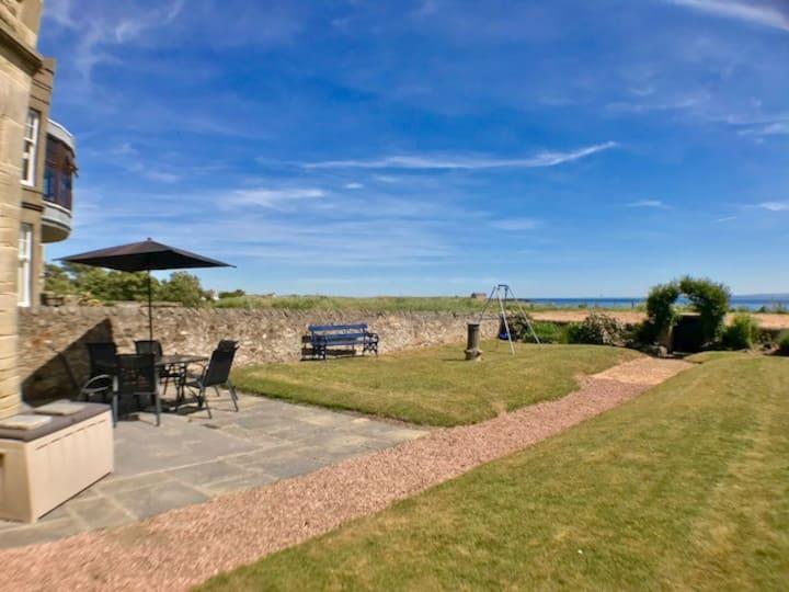 Ruddon Grange, Elie beach with panoramic sea views