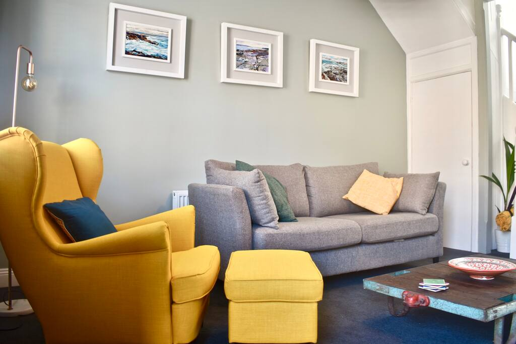 Beautiful living room.for you to relax in after a lovely day sight seeing.   Tv and wi fi