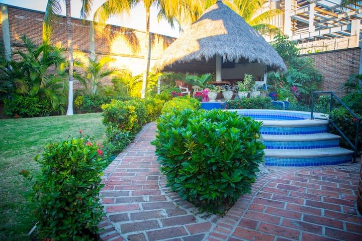 Authentic Getaway @ Quinta Virginia - Bucerías - Dům