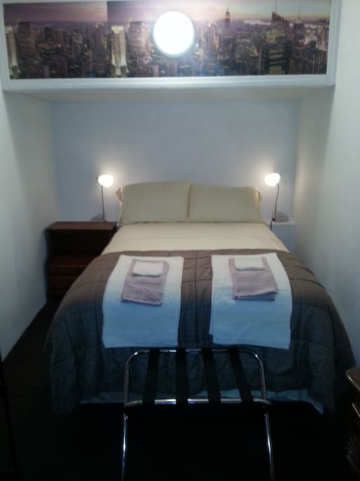 """The bed is full size it has a """"Chattan & Wells"""" mattress and box spring"""