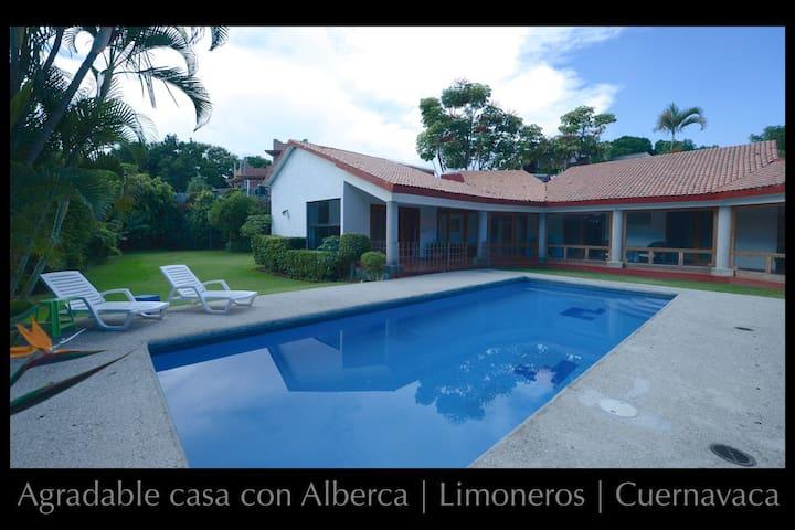 Fracc Limoneros, casa 1 sola planta, incl servicio
