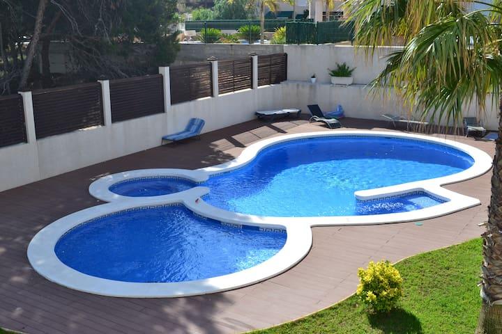 Райский уголок в солнечной Испании