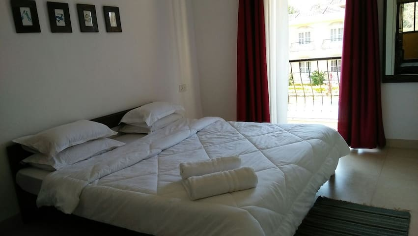 Zeus Homestays Reliance Sea Mist 1 - Colva - Apartemen